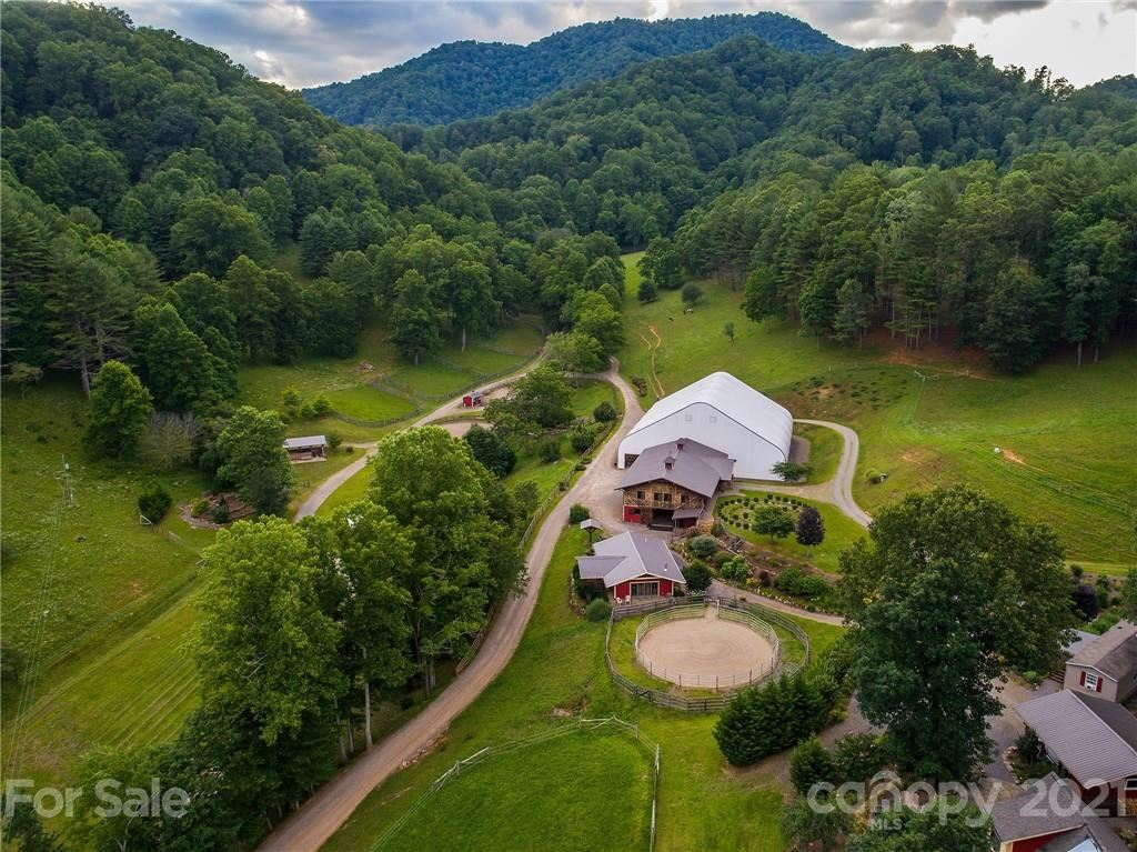 Photo of 561 Piercy Road, Green Mountain, NC 28740-8381 (MLS # 3724593)