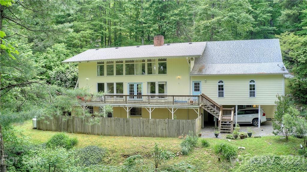 Photo of 1352 Swiss Pine Lake Drive, Spruce Pine, NC 28777-5446 (MLS # 3735595)