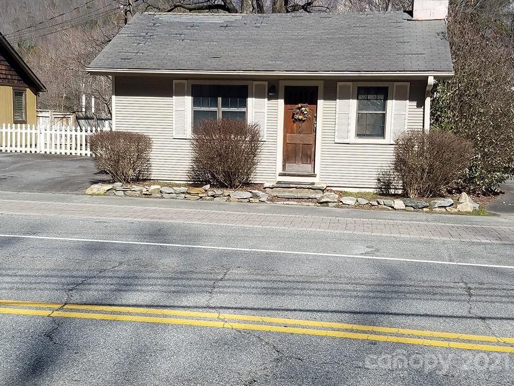 Photo of 2984 SE Memorial Highway SE, Lake Lure, NC 28746 (MLS # 3711602)