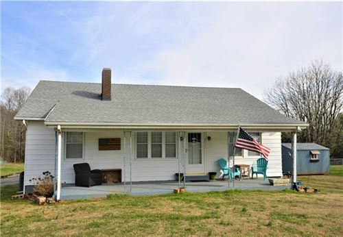 Photo of 4062 S Nc Hwy 127 Highway, Hickory, NC 28602 (MLS # 3583607)