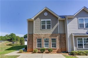 Photo of 835 Plaza Walk Drive, Charlotte, NC 28215 (MLS # 3530609)
