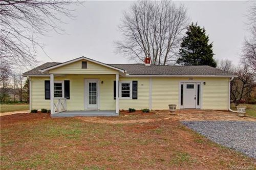 Photo of 2584 Old Mountain Road, Statesville, NC 28625 (MLS # 3579615)