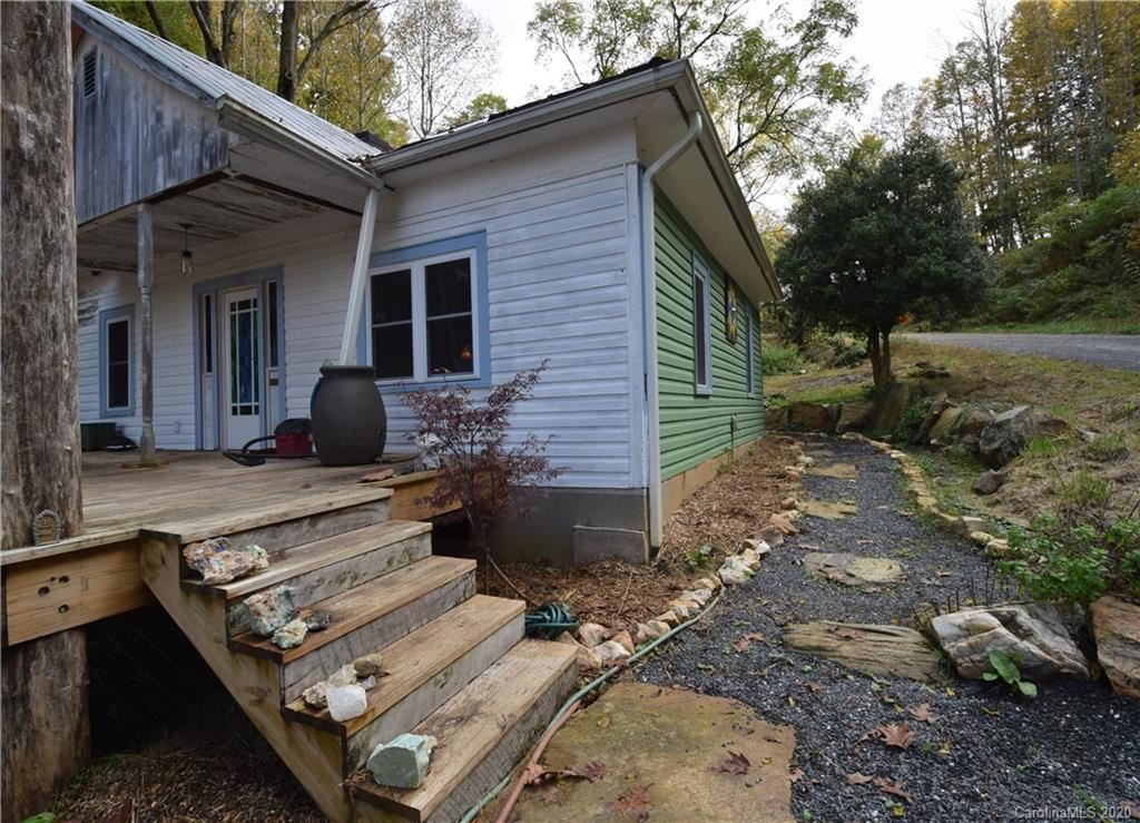 Photo of 901 Griffith Road, Green Mountain, NC 28740-7723 (MLS # 3672626)