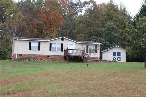 Photo of 2125 Hunterwood Drive, Hickory, NC 28601-7288 (MLS # 3675646)