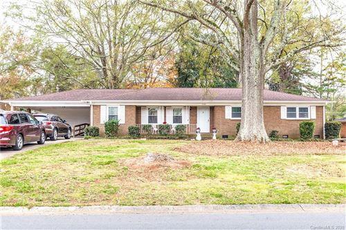 Photo of 7520 Glencannon Drive, Charlotte, NC 28227-7452 (MLS # 3683647)