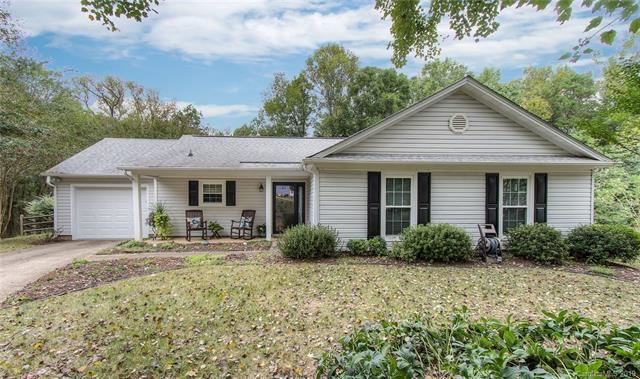 Photo for 13501 Dansville Drive, Pineville, NC 28134 (MLS # 3552647)
