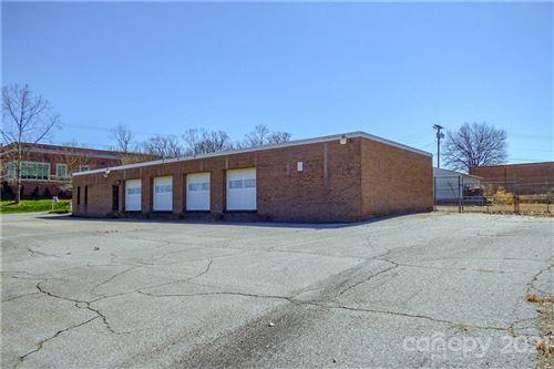 Photo of 1850 Tate Boulevard SE, Hickory, NC 28602 (MLS # 3714655)