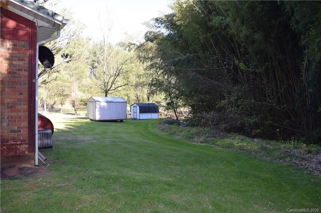 Photo of 131 Shannon Drive, Spruce Pine, NC 28777 (MLS # 3617682)