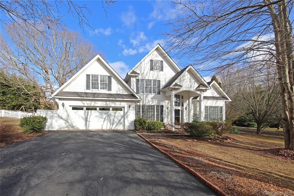 Photo of 29 Sierra Drive, Arden, NC 28704-8554 (MLS # 3586721)
