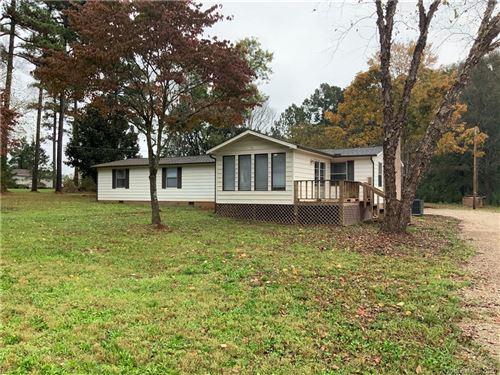 Photo of 115 Pine Tree Road, Statesville, NC 28677-1725 (MLS # 3677734)