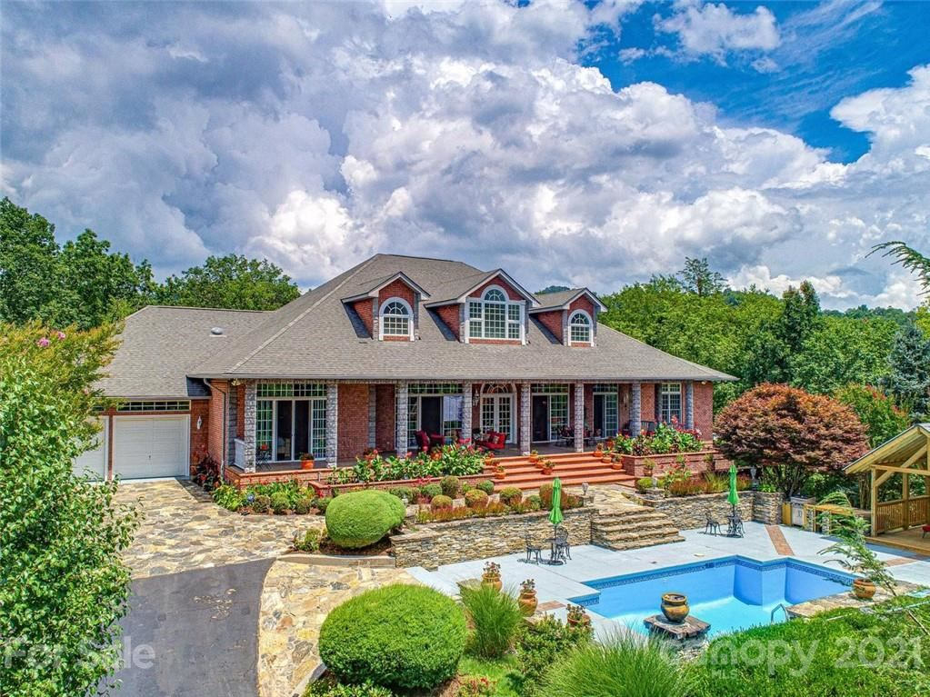 Photo of 382 Clearview Drive, Waynesville, NC 28785-7289 (MLS # 3720736)