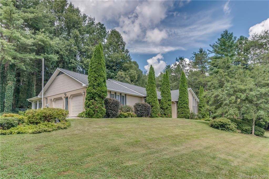 Photo of 106 Dawn Valley Drive #15, Hendersonville, NC 28792-9309 (MLS # 3651738)
