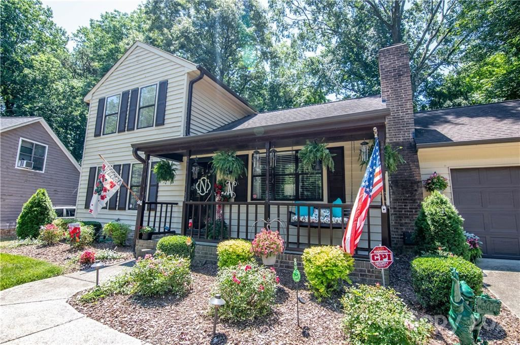 Photo for 6301 Whitewater Drive, Charlotte, NC 28214 (MLS # 3750741)