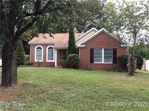 Photo of 918 Gretna Green Drive, Charlotte, NC 28217-6411 (MLS # 3788743)