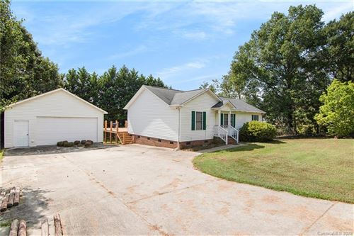 Tiny photo for 206 Covey Court, York, SC 29745-9216 (MLS # 3662747)