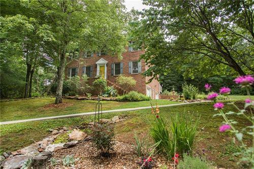 Photo of 211 Fox Ridge Lane, Hickory, NC 28601-8427 (MLS # 3632753)