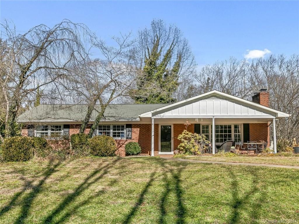 Photo of 14 Mayfair Drive, Candler, NC 28715 (MLS # 3699763)