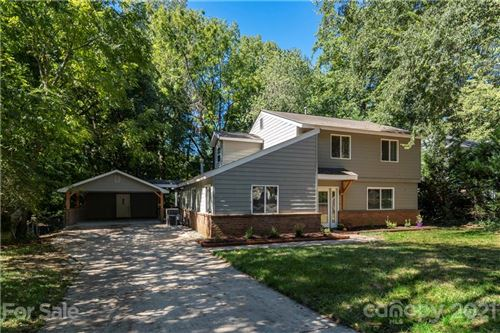 Photo of 6912 Valley Haven Drive, Charlotte, NC 28211-6159 (MLS # 3787772)