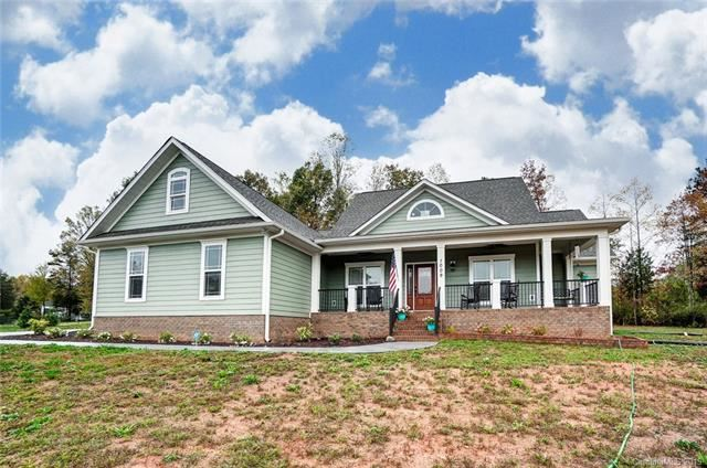 Photo for 1009 Wilson Cove Court, Alexis, NC 28006-4400 (MLS # 3567780)