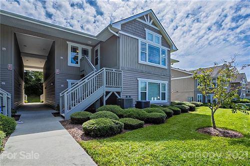 Photo of 89 Morningside Lane, Hendersonville, NC 28792-3228 (MLS # 3789814)