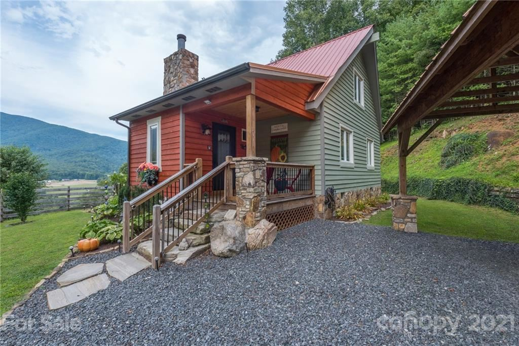 Photo of 3046 Hwy 261 None, Bakersville, NC 28705 (MLS # 3699816)