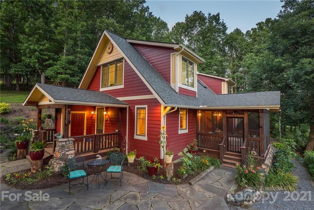 Photo of 561 Piercy Road, Green Mountain, NC 28740-8381 (MLS # 3716816)