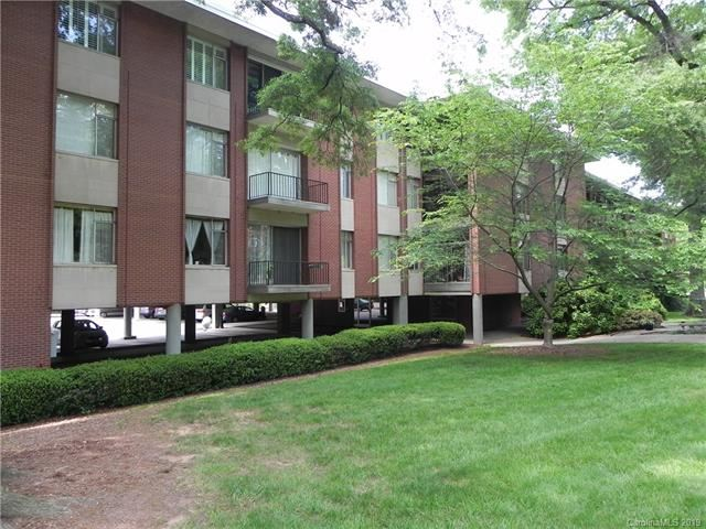 Photo for 1300 Queens Road #401, Charlotte, NC 28207 (MLS # 3539819)