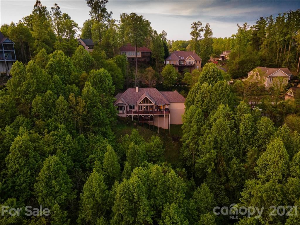 Photo of 86 Carriage West Drive, Hendersonville, NC 28791-1491 (MLS # 3746826)