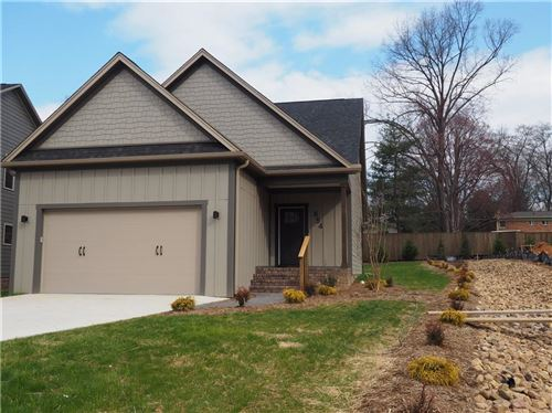 Photo of 654 13th Ave Place NW, Hickory, NC 28601 (MLS # 3369836)