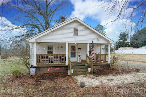 Photo of 904 3rd Street SE, Conover, NC 28613-1813 (MLS # 3701837)