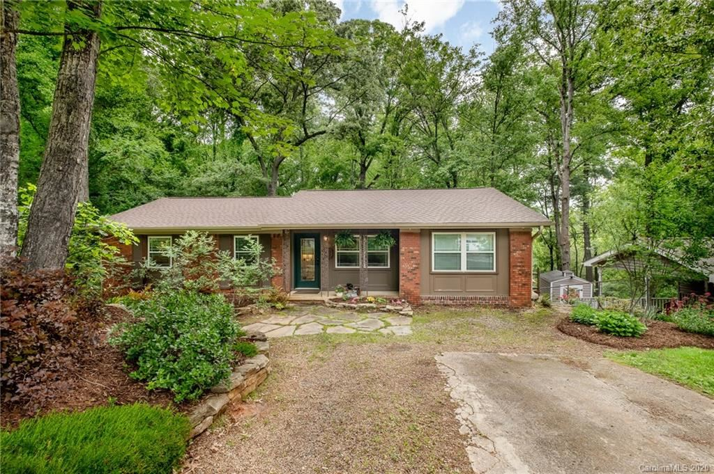 Photo of 56 Botany Drive, Asheville, NC 28805-1635 (MLS # 3623855)