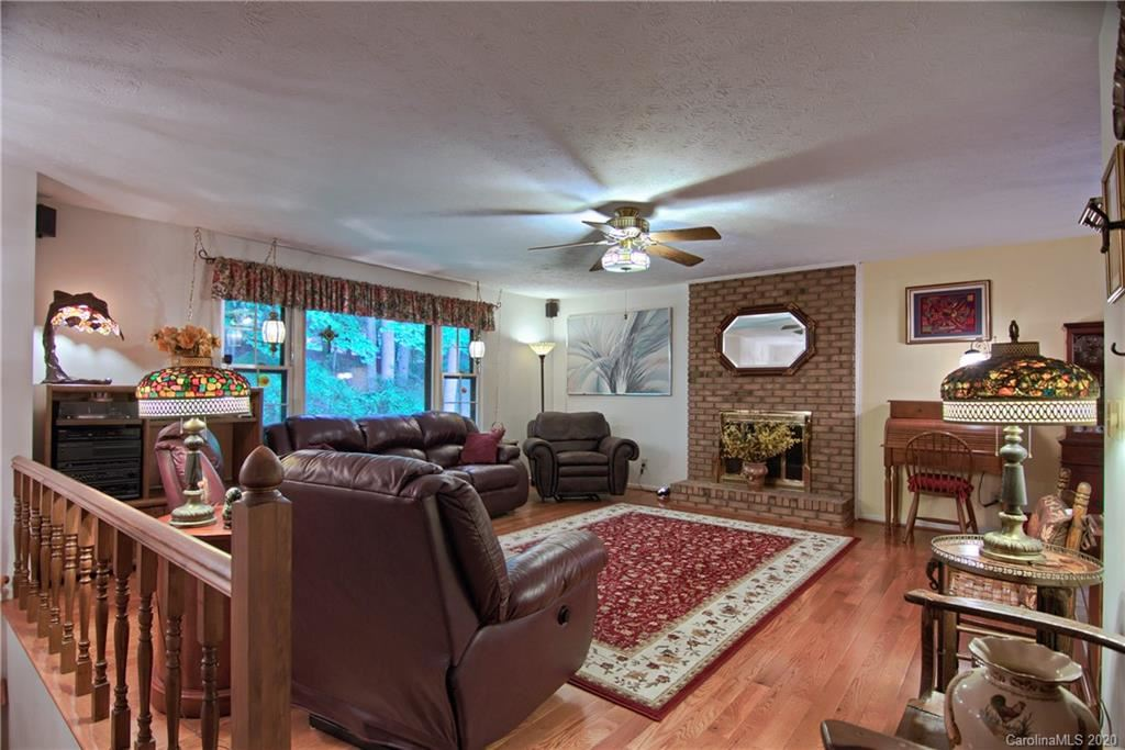 Photo of 5 Scenic View Drive, Hendersonville, NC 28792-8227 (MLS # 3625856)