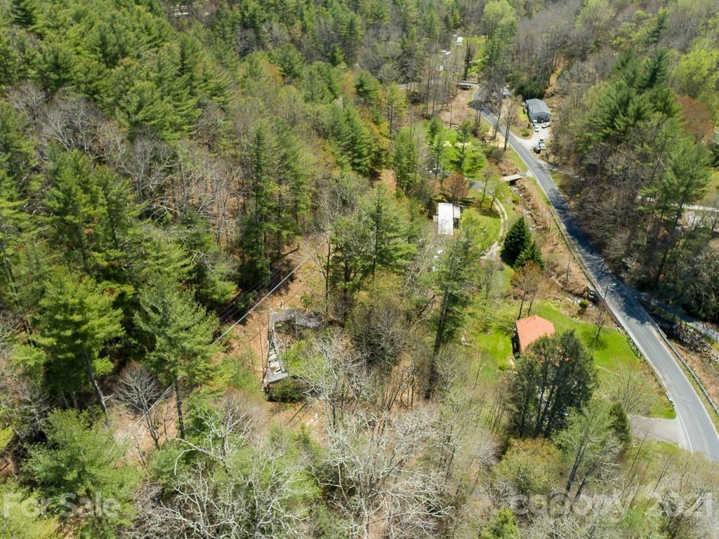 Photo of 462 Beaver Creek Road, Spruce Pine, NC 28777 (MLS # 3732875)