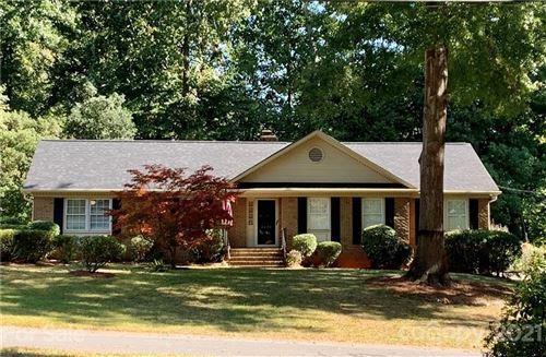Photo of 2424 Ramblewood Lane, Charlotte, NC 28210-6736 (MLS # 3798886)