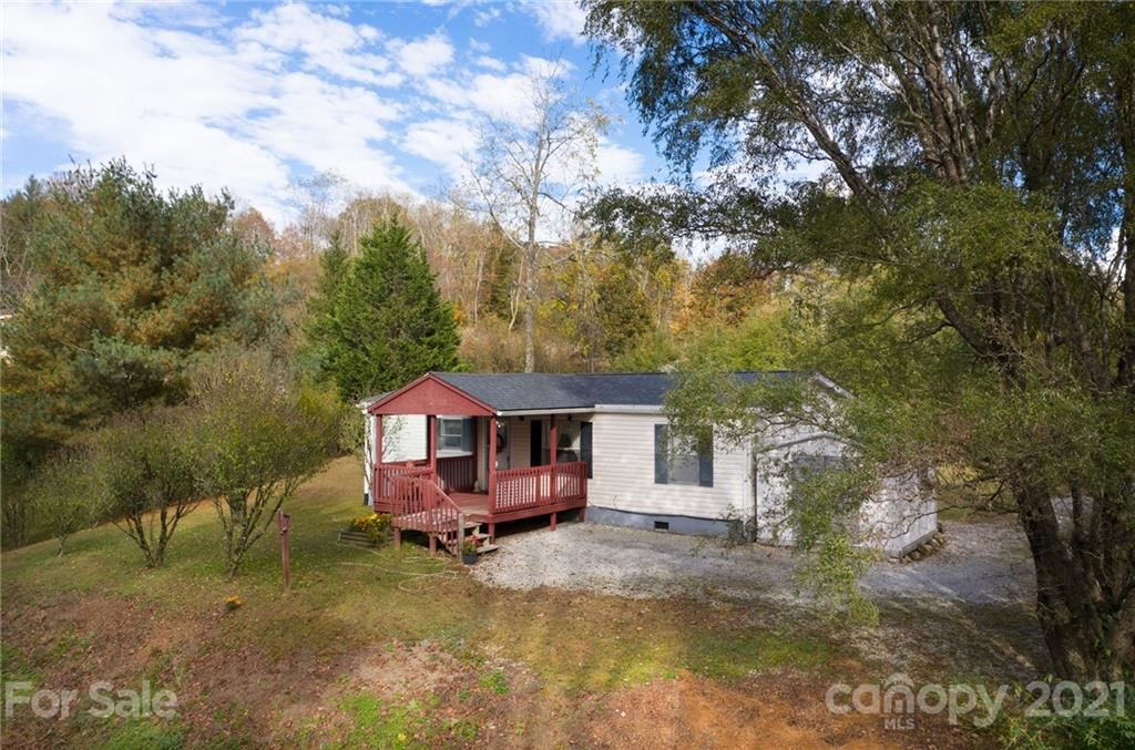Photo of 565 Overlook Drive, Spruce Pine, NC 28777 (MLS # 3678903)