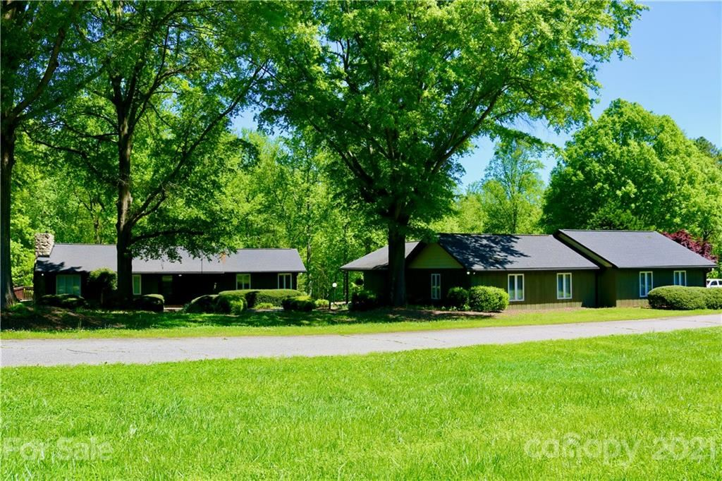 Photo for 3119 Winfield Drive, Maiden, NC 28650-9094 (MLS # 3752923)