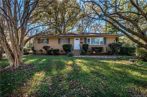 Photo of 4136 Woodgreen Terrace, Charlotte, NC 28205-4666 (MLS # 3685925)