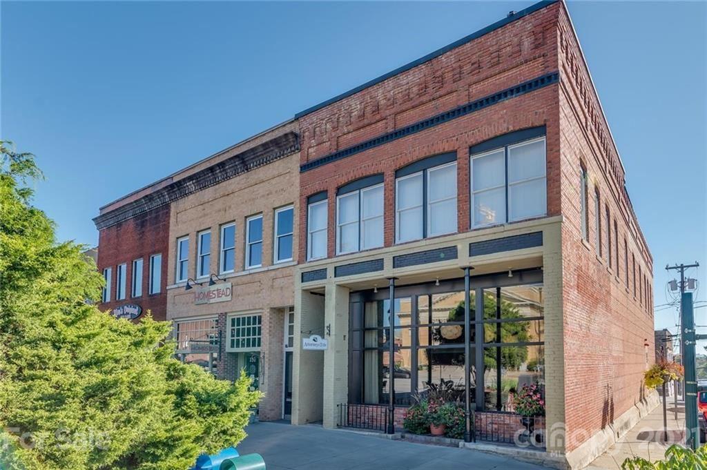 Photo of 104 N Main Street, Hendersonville, NC 28792 (MLS # 3675928)