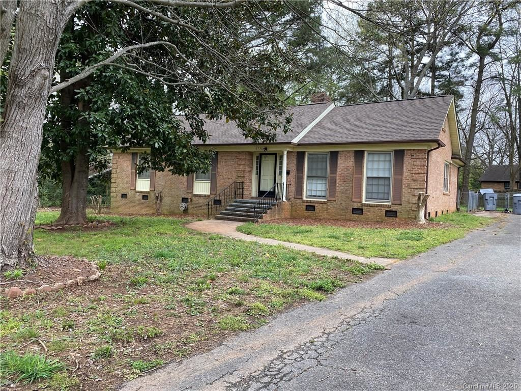 Photo for 6736 Hartsell Place, Charlotte, NC 28215-2534 (MLS # 3610932)
