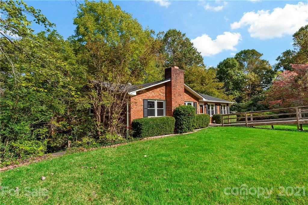 Photo of 122 Sunset Drive, Marion, NC 28752 (MLS # 3788941)
