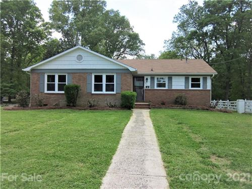 Photo of 1601 Grovewood Drive, Charlotte, NC 28208-1629 (MLS # 3726945)