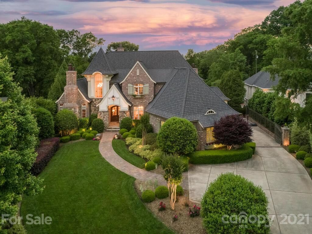 Photo for 2438 Overhill Road, Charlotte, NC 28211-2126 (MLS # 3706946)