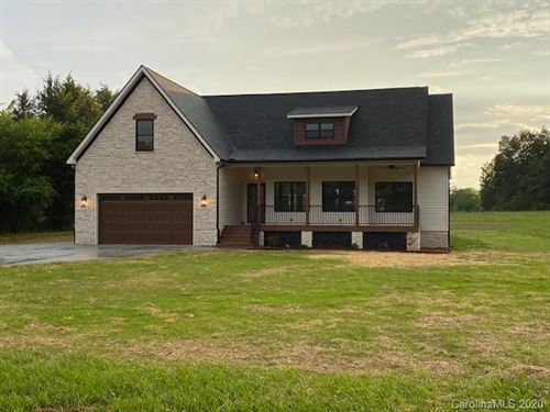 Photo of 126 Robert Drive, Statesville, NC 28625 (MLS # 3627963)