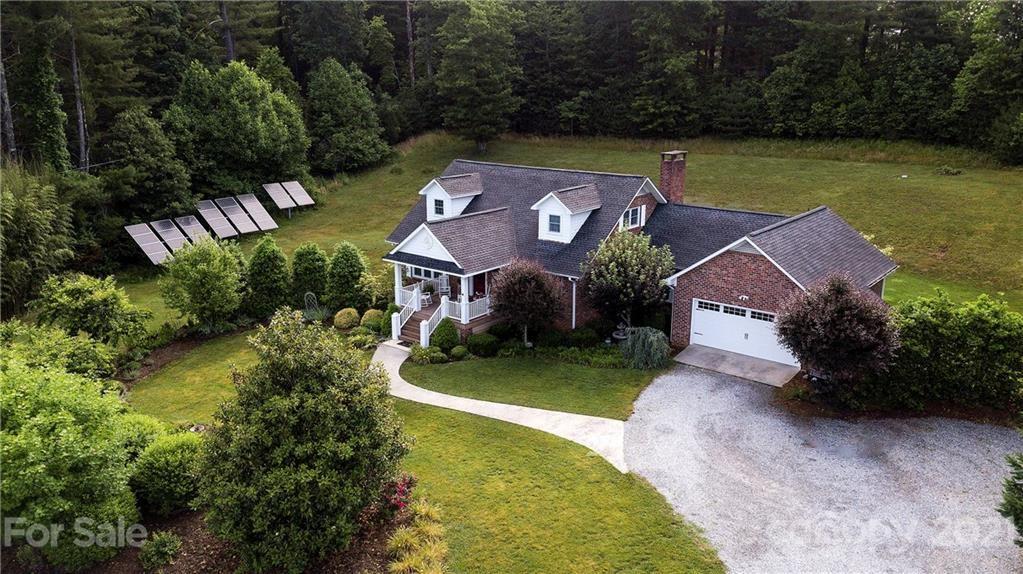 Photo of 101 Avalon Lane, Hendersonville, NC 28739-7145 (MLS # 3748963)