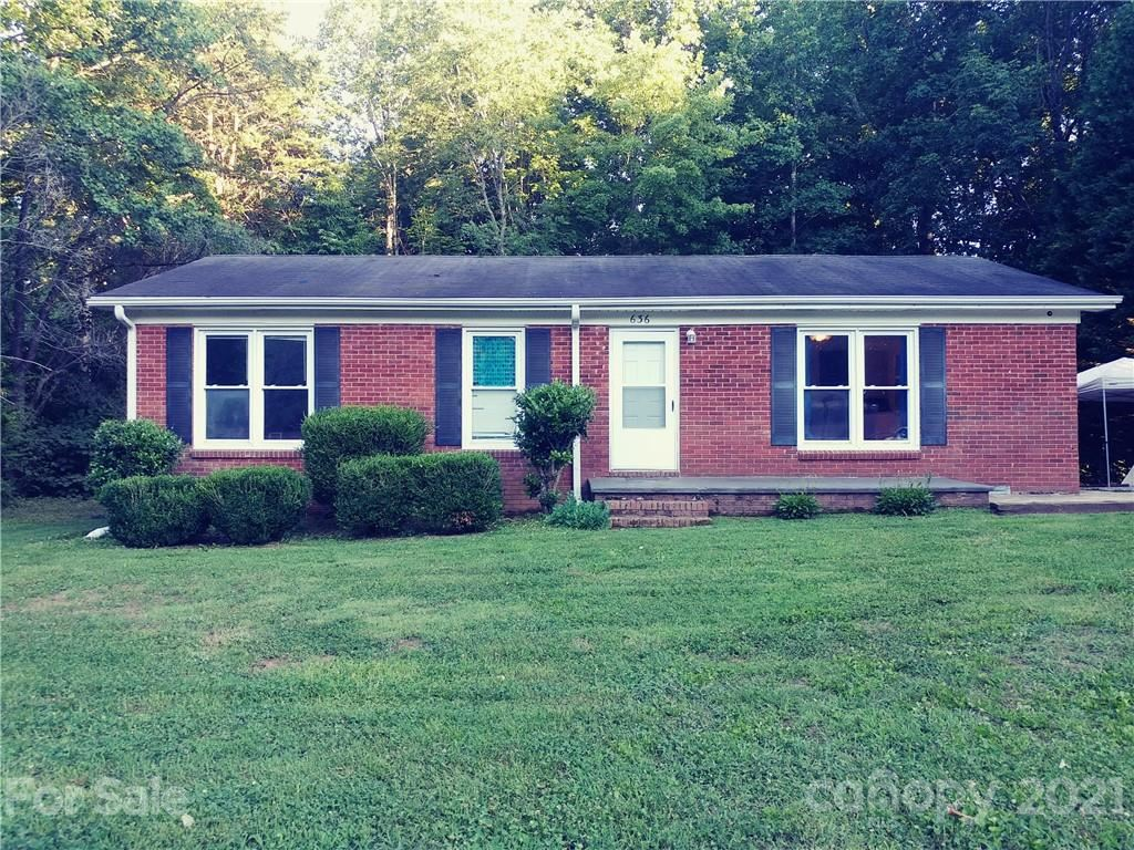 Photo for 636 Story Woods Road, Lincolnton, NC 28092-7977 (MLS # 3752975)