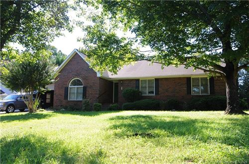 Photo of 7082 Forest Hills Drive, Denver, NC 28037-8218 (MLS # 3664991)