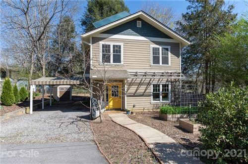 Photo of 14 Hickory Terrace, Asheville, NC 28806-3418 (MLS # 3722991)
