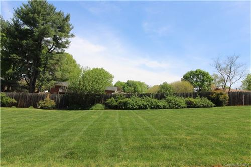 Photo of 4 Brookgreen Place, Statesville, NC 28677 (MLS # 3495997)