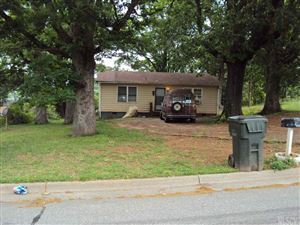 Photo of 354 7TH AVE SW, Hickory, NC 28602 (MLS # 9588228)