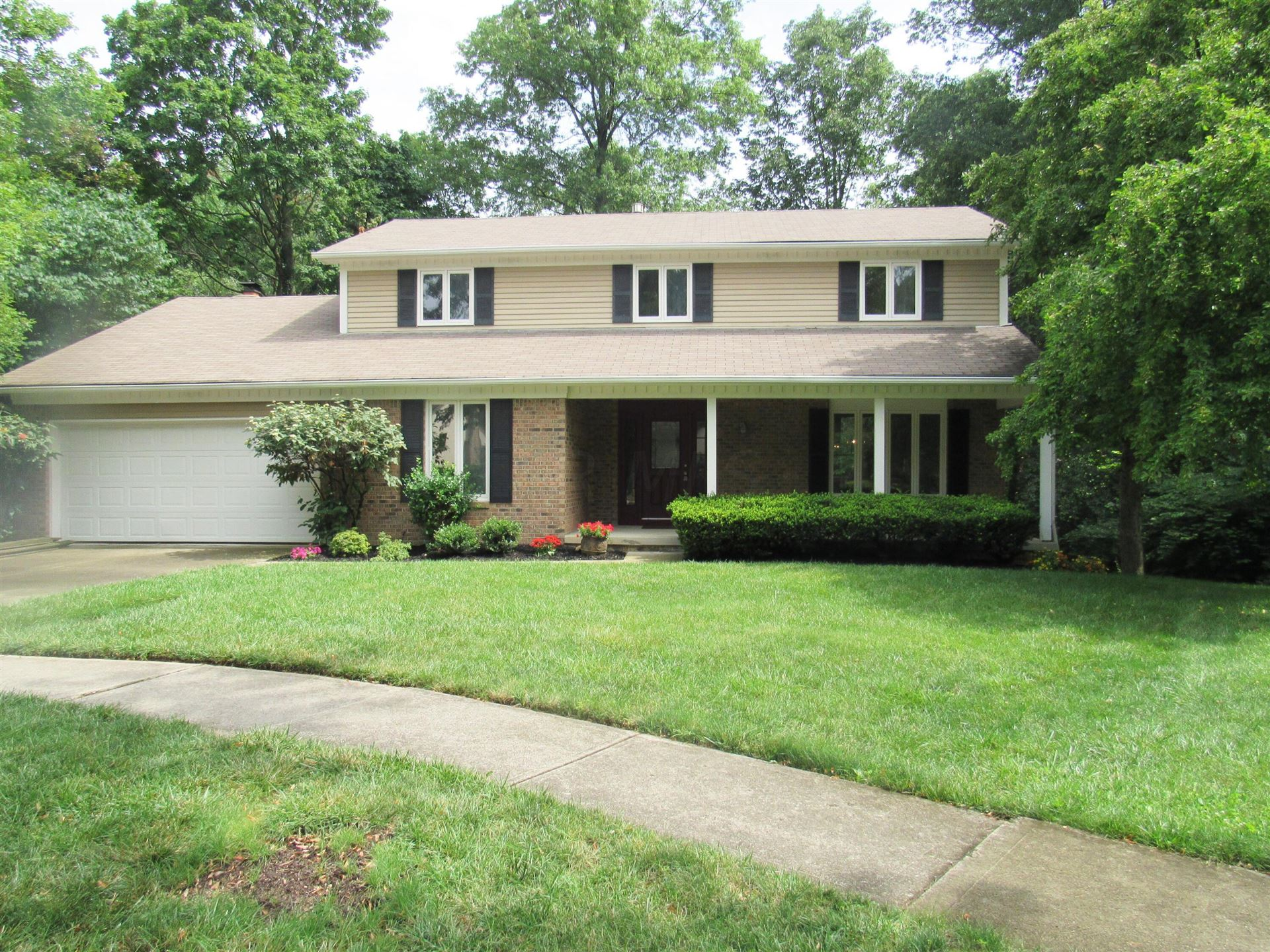 Photo of 1592 Fawn Court, Worthington, OH 43085 (MLS # 221028001)